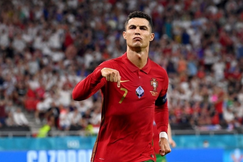 Ronaldodan növbəti rekordlar - azərbaycanlı hücumçuya çatdı